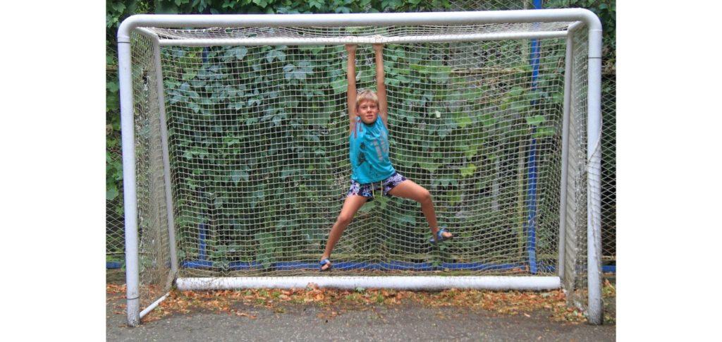 why does soccer have offsides - eliminating goal hanging